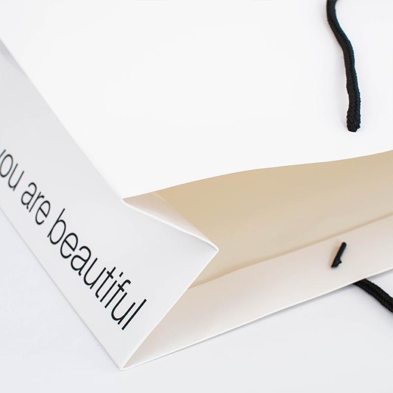 Promotion Custom Printing Christmas Festival Logo Presents Gift Shopping Paper Bag with Drawstring