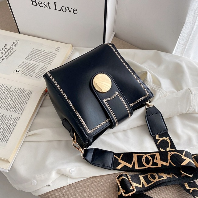 Small fresh bag 2020 new fashion fashion broadband bucket bag women's bag Single Shoulder Messenger Bag women's versatile ins