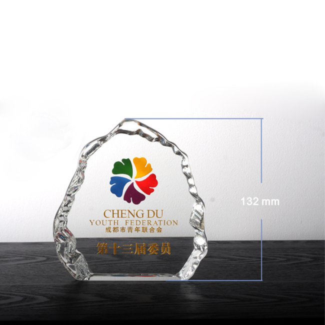 Wholesale Crystal Crafts Ice Mountain Crystal Ice Sculpture crystal awards emmy shield award trophy for souvenirs gifts