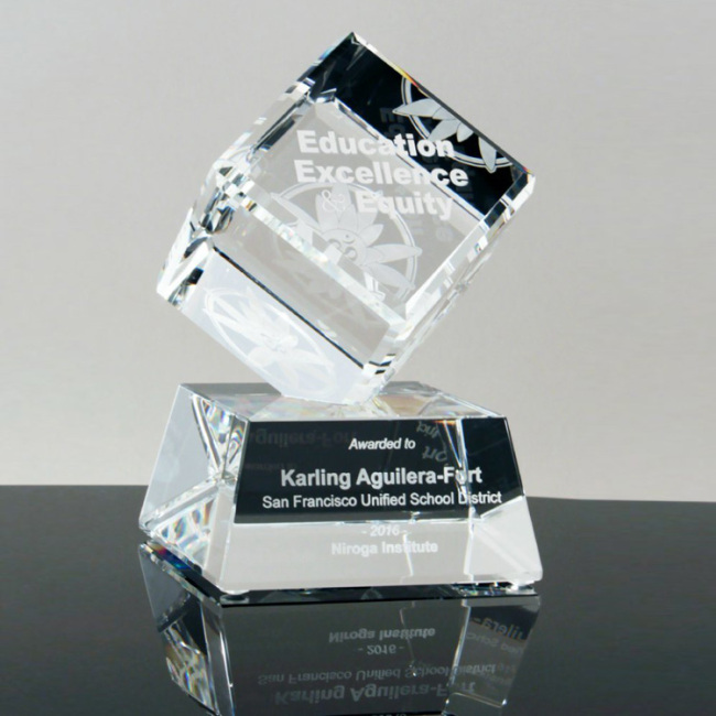 New design Crystal Trophy Primo Crystal Awards Clipped Cube on Clear Base