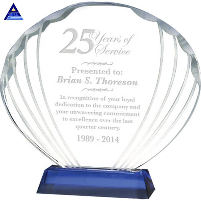 New Arrival Design Custom Clear Shell Shaped Glass Trophy Plaque Awards For Souvenir Gift