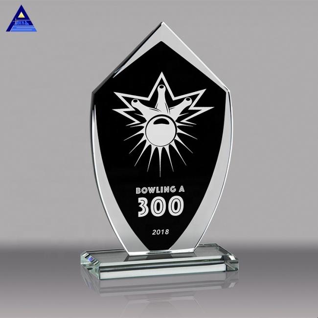 Engraved Business Crystal Plaque Sample Award Shield For Memorial Awards Trophy
