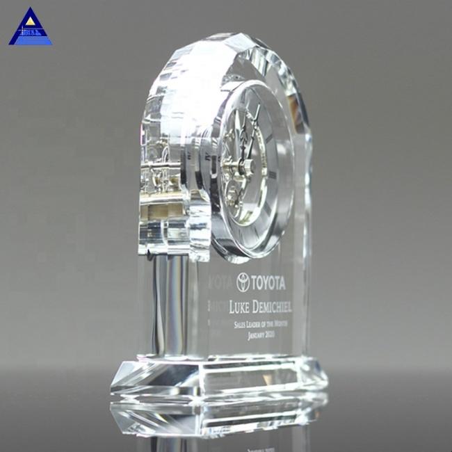 Wholesale Hot Sale New Fashion Round Shape Desktop Crystal Mini Clock For Souvenir