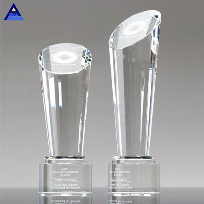 Focus Spotlight Etched Pillar Crystal Trophy for Presidents Honor Awards