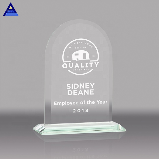 Round Shaped Clear Crystal Award Plaques For Naming Ceremony Gifts