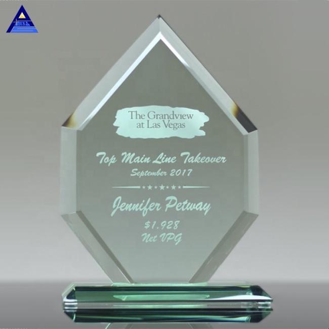 Factory Price Decorative Jade Crystal Circle Award Souvenir Business Gift Set